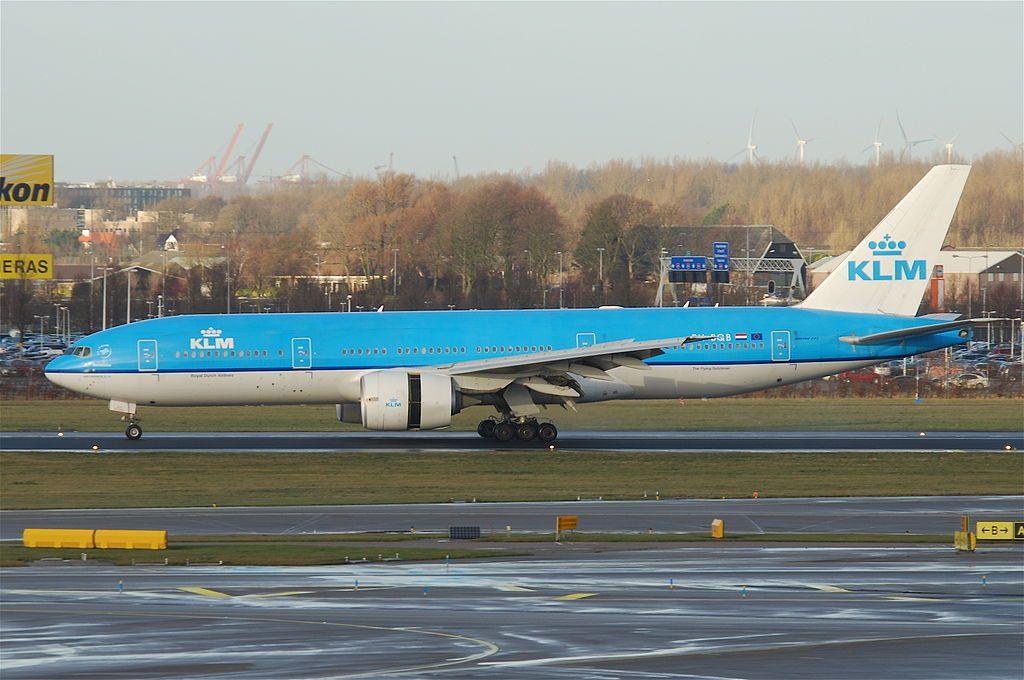 KLM Boeing 777 206ER PH BQB Borobudur landing at Schiphol AMS