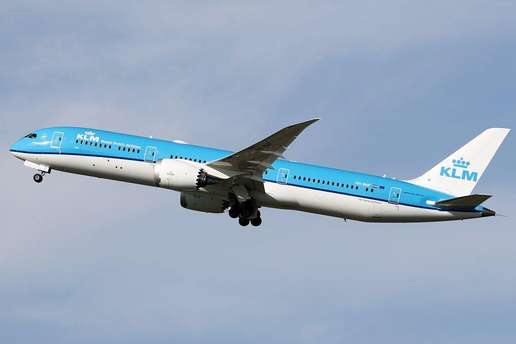 KLM PH BHP Boeing 787 9 Dreamliner Tulp Tulip departing Amsterdam Schiphol