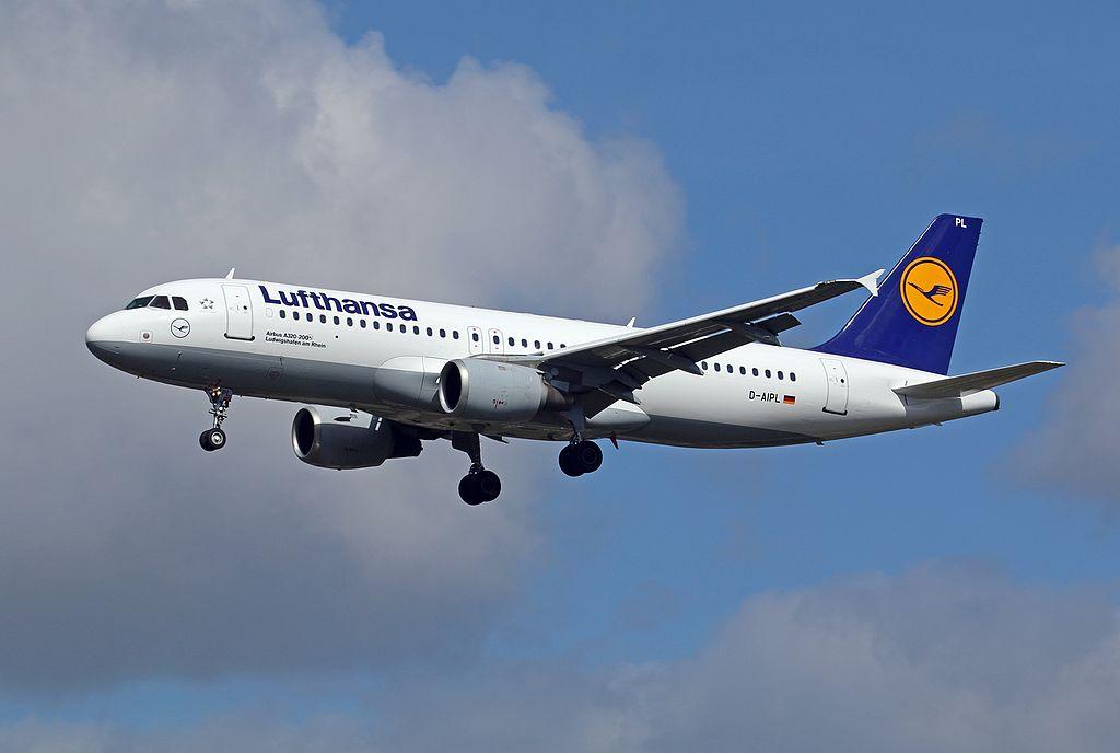 Lufthansa Airbus A320 200 D AIPL Ludwigshafen am Rhein at Hamburg Airport