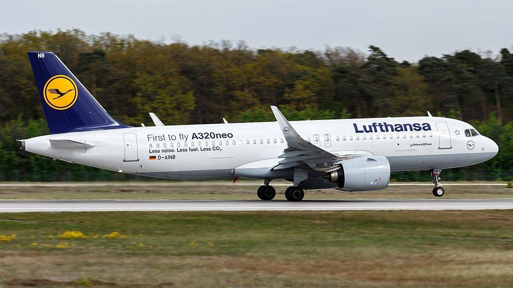 Lufthansa Airbus A320neo D AINB at Frankfurt Airport