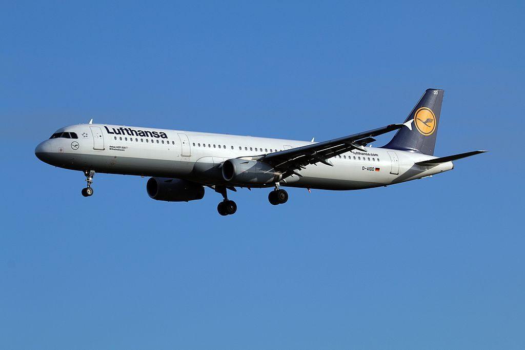 Lufthansa Airbus A321 231 D AIDD Wilhelmshaven at Hamburg Airport