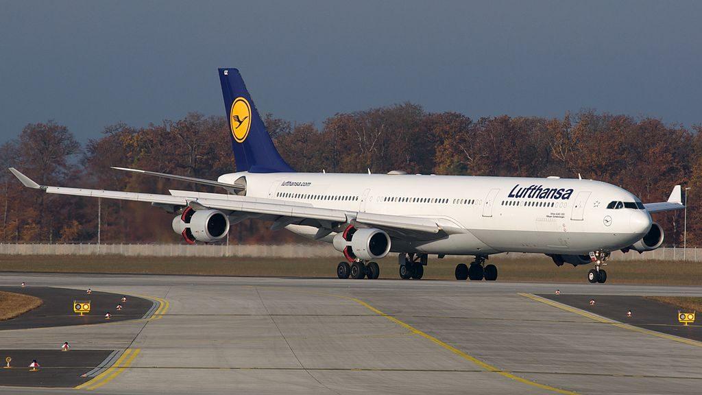 Lufthansa Airbus A340 300 D AIGZ Villingen Schwenningen at Frankfurt Airport