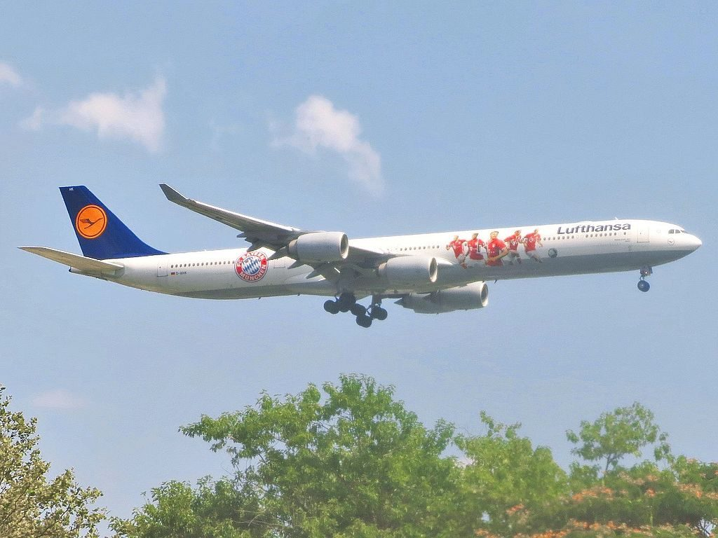 Lufthansa Airbus A340 642 D AIHK Mainz FC Bayern München livery on final approach to JFK Airport