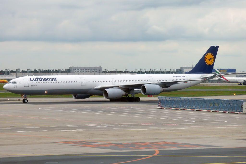 Lufthansa D AIHF Airbus A340 642 Lübeck