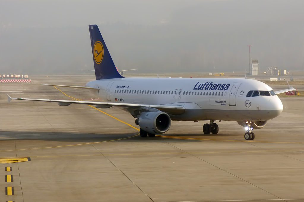 Lufthansa D AIPS Airbus A320 211 Augsburg at Zurich International Airport