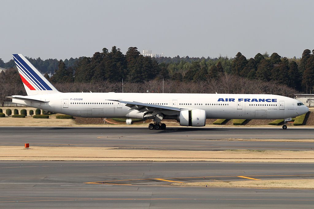 Narita International Airport Boeing F GSQM 777 328ER cn 32848 Air France