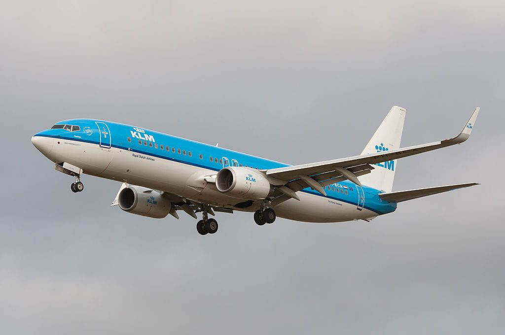 PH BCA KLM Boeing 737 800 Flamingo landing at Schiphol