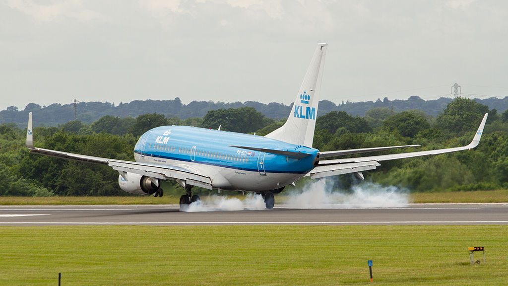PH BGI Boeing 737 700 of KLM Vink Finch landing at Manchester Airport