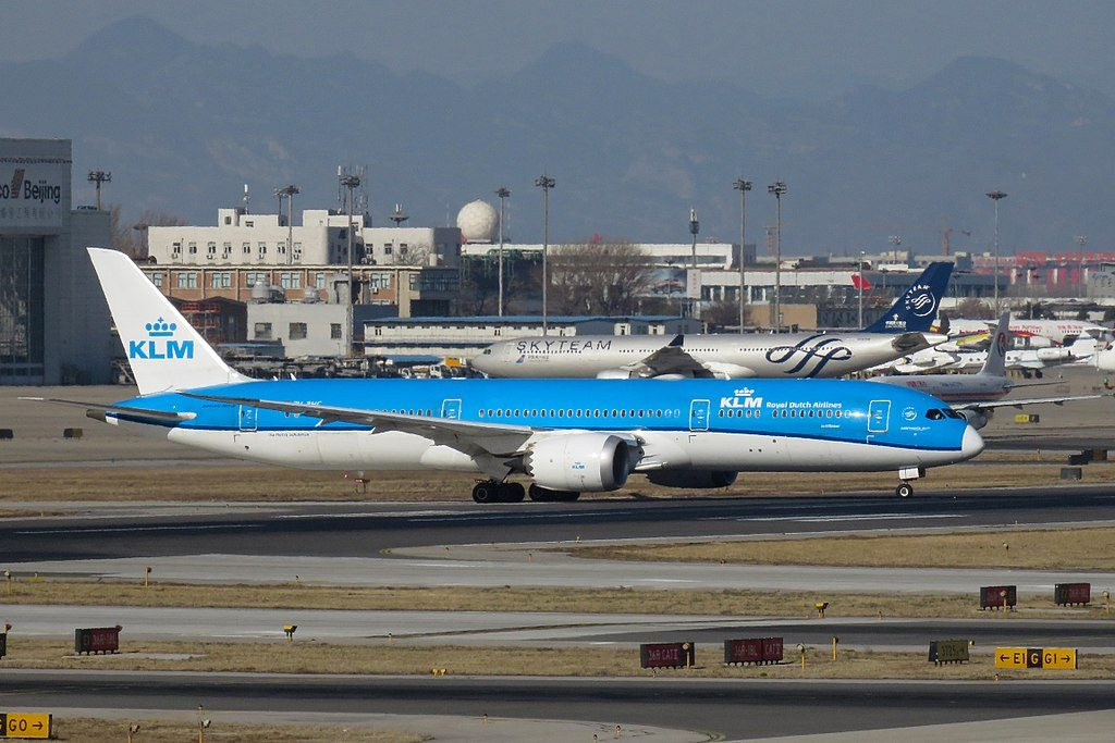 PH BHC Boeing 787 9 Dreamliner KLM Sunflower Zonnebloem at Beijing Capital International Airport