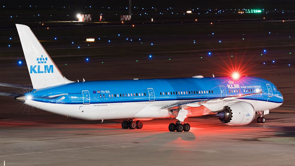 PH BHL KLM Boeing 787 9 Dreamliner Lily Lelie at Houston Bush Intercontinental Airport IAH