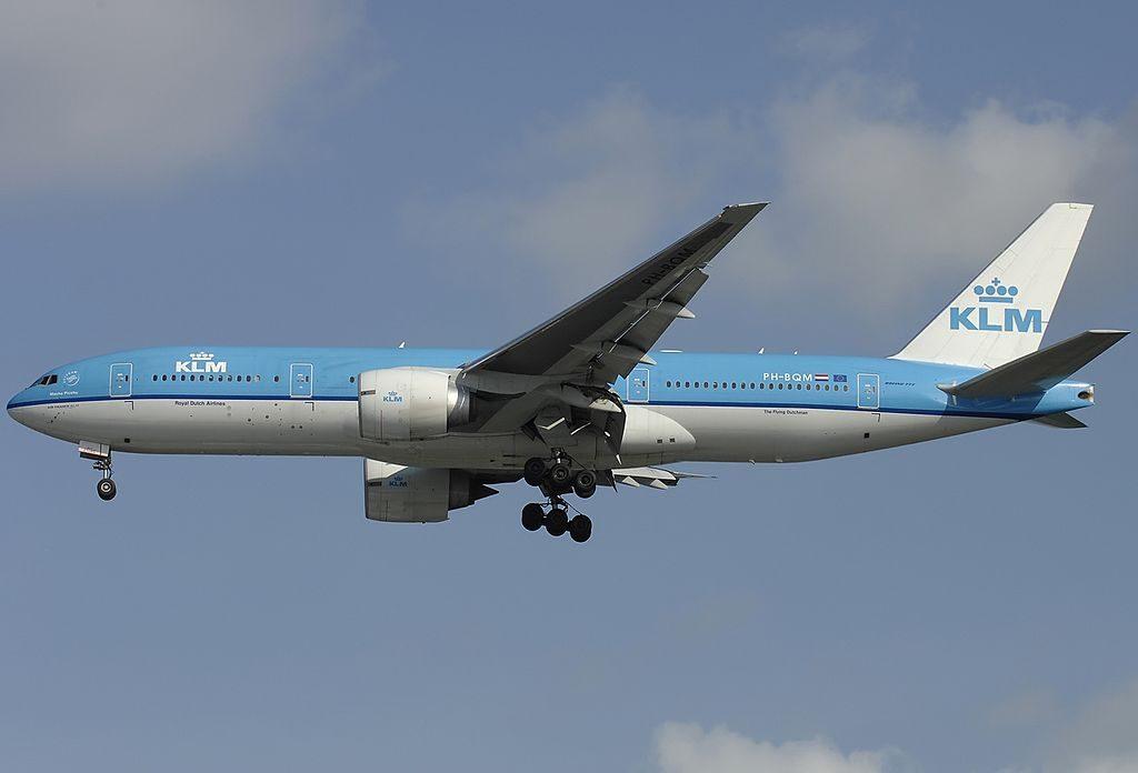 PH BQM Boeing 777 206ER KLM Royal Dutch Airlines Machu Picchu on final at Singapore Changi Airport