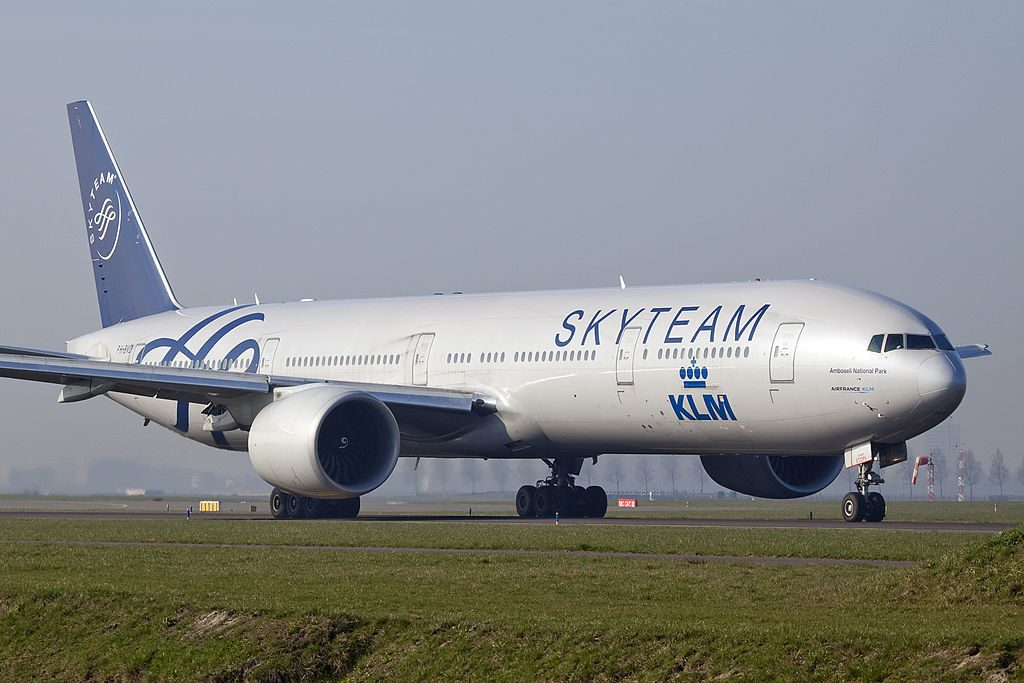 PH BVD Boeing 777 300ER KLM Nationaal Park Amboseli on SKYTEAM livery colors