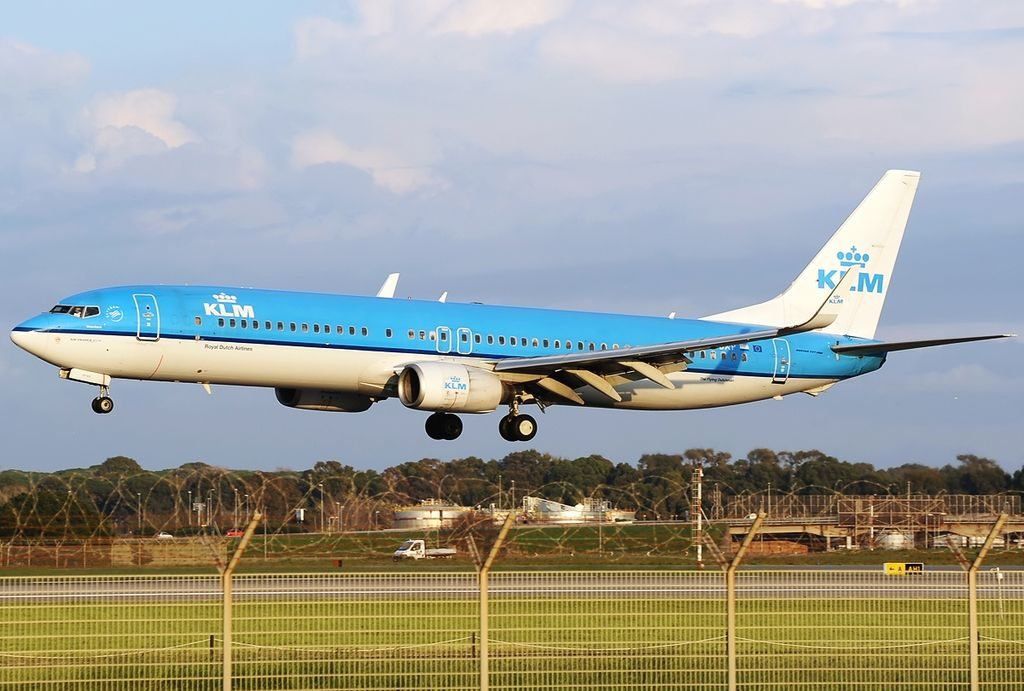 PH BXP Boeing 737 9K2 KLM Royal Dutch Airlines Meerkoet Crested Coot at Roma Leonardo da Vinci Fiumicino