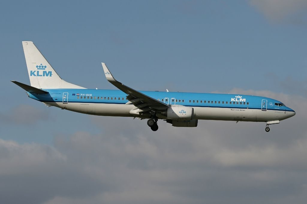 PH BXR Boeing 737 9K2 KLM Royal Dutch Airlines Nachtegaal Nightingale final approach at Amsterdam Airport Schiphol