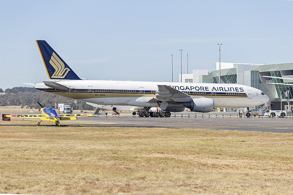 Singapore Airlines 9V SRQ Boeing 777 212 at Canberra Airport
