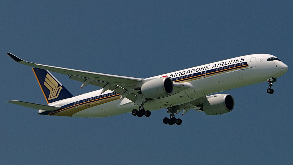 Singapore Airlines A350 900 9V SMI landing at Changi