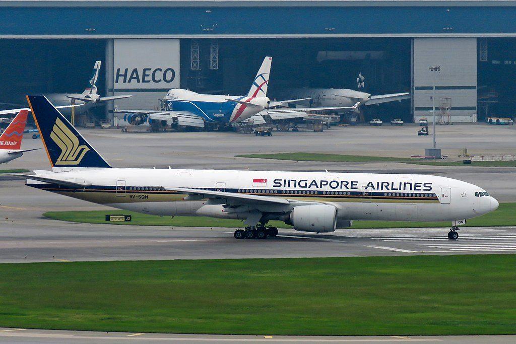 Singapore Airlines Boeing 777 200 9V SQN at Hong Kong International Airport