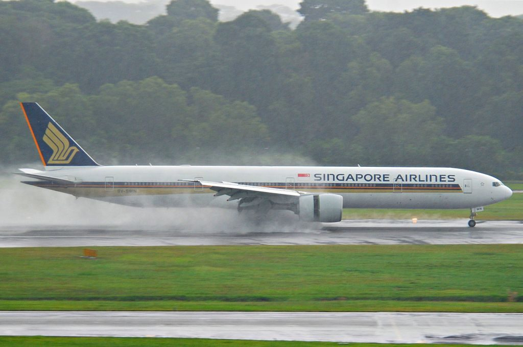 Singapore Airlines Boeing 777 312ER 9V SWN landing at Singapore Changi Airport SIN