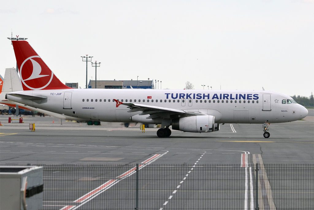 TC JUF Airbus A320 232 Turkish Airlines İnegöl at Tallinn Airport