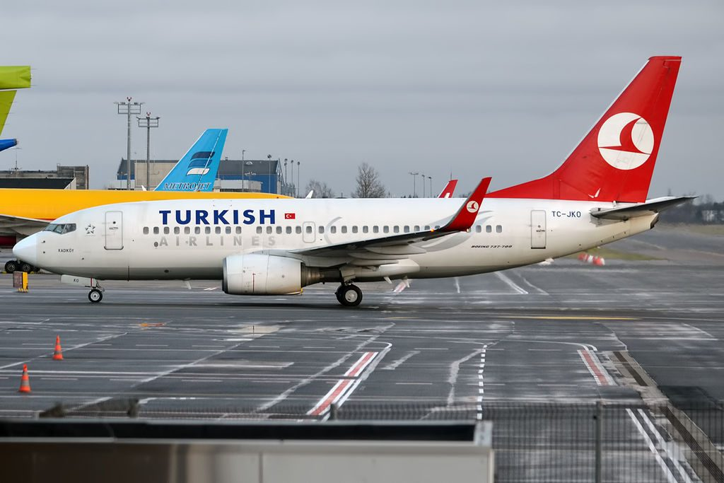Turkish Airlines TC JKO Boeing 737 752 Kadıköy at Tallinn Airport