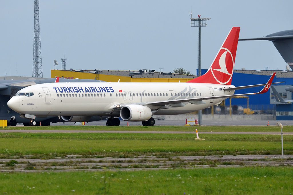 Turkish Airlines TC JYF Boeing 737 9F2ERWL Çırağan at Tallinn Airport