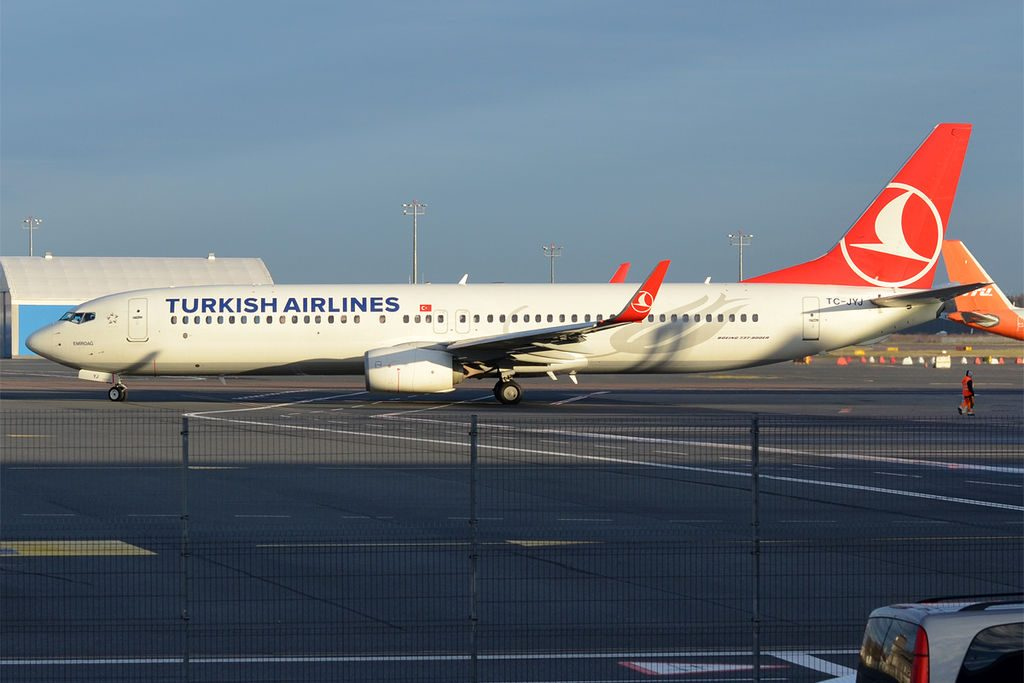 Turkish Airlines TC JYJ Boeing 737 9F2ER Emirdağ at Tallinn Airport