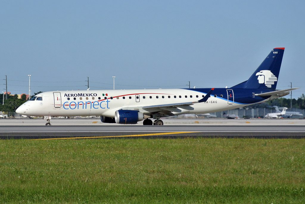 XA GAG AeroMexico Connect Embraer ERJ 190 at Miami International Airport