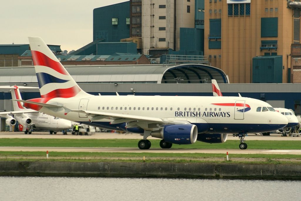 Airbus A318 112 G EUNA British Airways at London City Airport