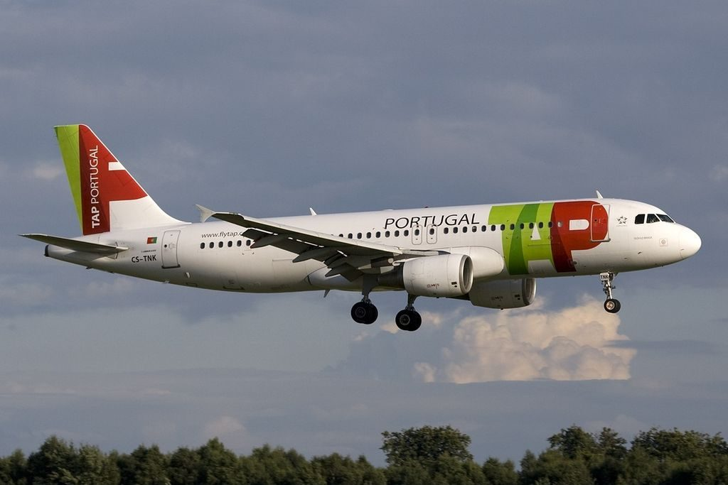 Airbus A320 214 TAP Portugal CS TNK Teofilo Braga at Luxembourg Findel International Airport