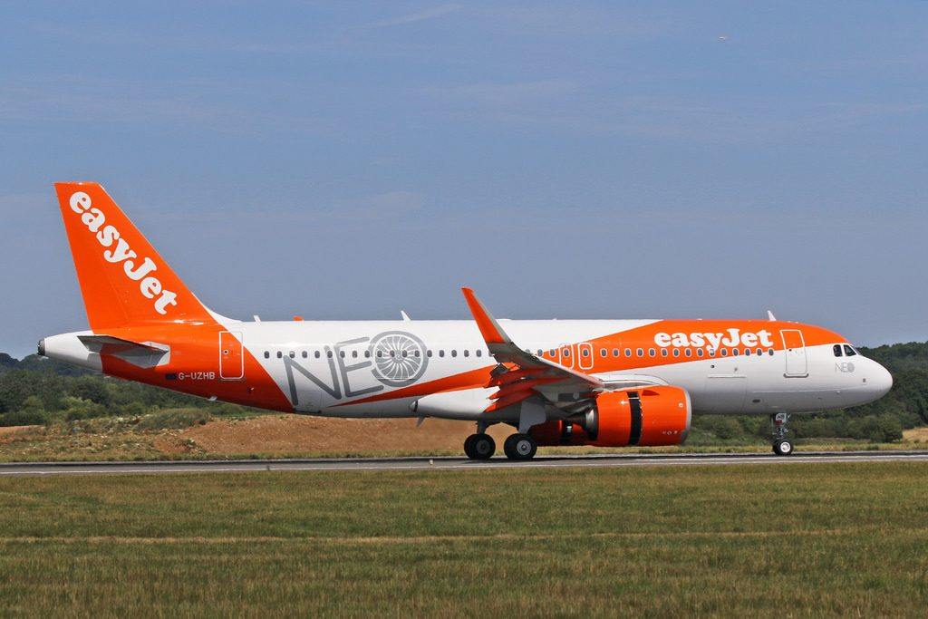Airbus A320neo easyJet G UZHM at Luton Airport