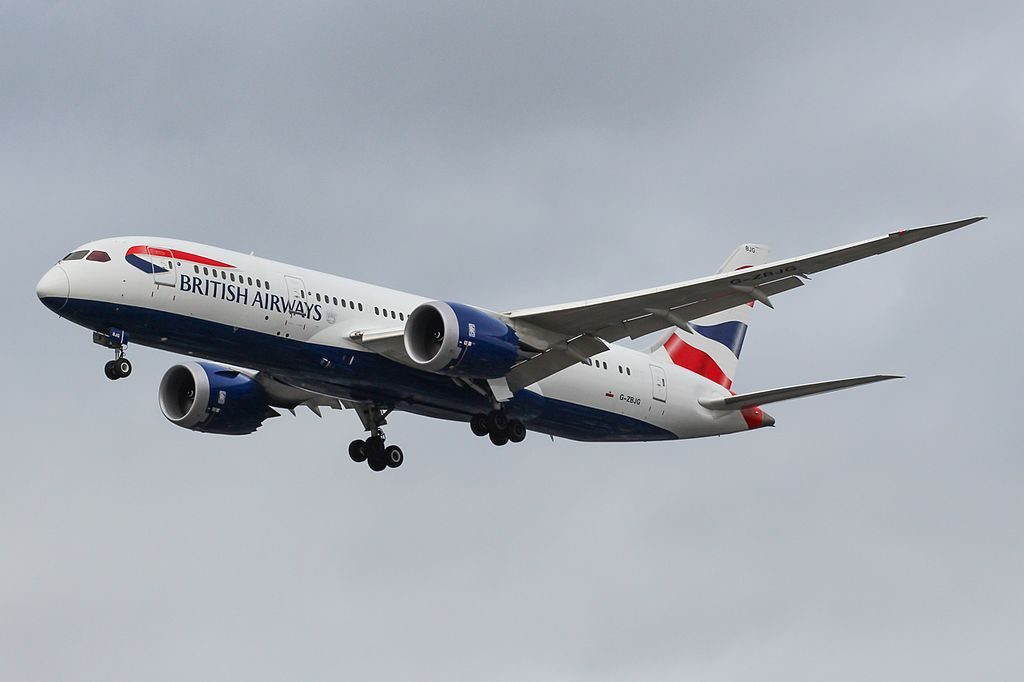 British Airways G ZBJG Boeing 787 8 Dreamliner on final approach at London Heathrow Airport