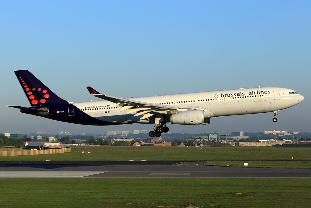 Brussels Airlines Airbus A330 343X OO SFX