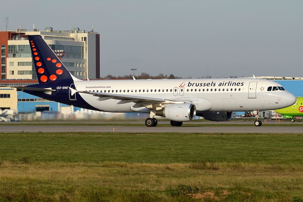 Brussels Airlines OO SNE Airbus A320 214 Amare at Domodedovo International Airport