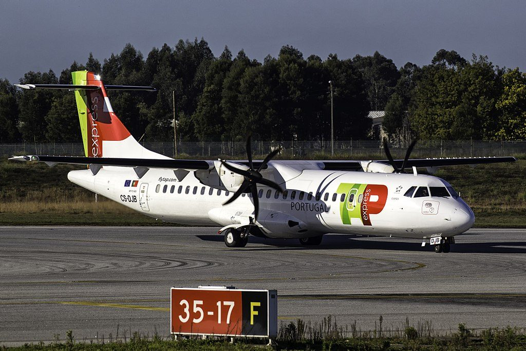 CS DJB ATR 72 600 Guarda of TAP Express White Airways at Porto International Airport