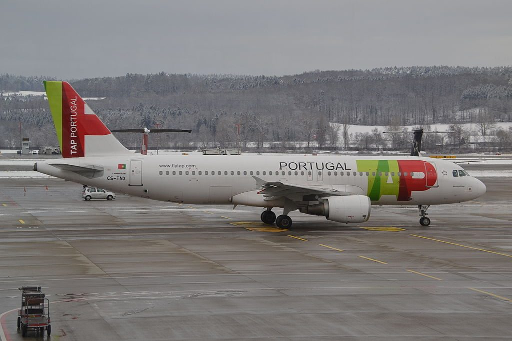 CS TNX Airbus A320 214 Malangatana of TAP Portugal at Zurich International Airport