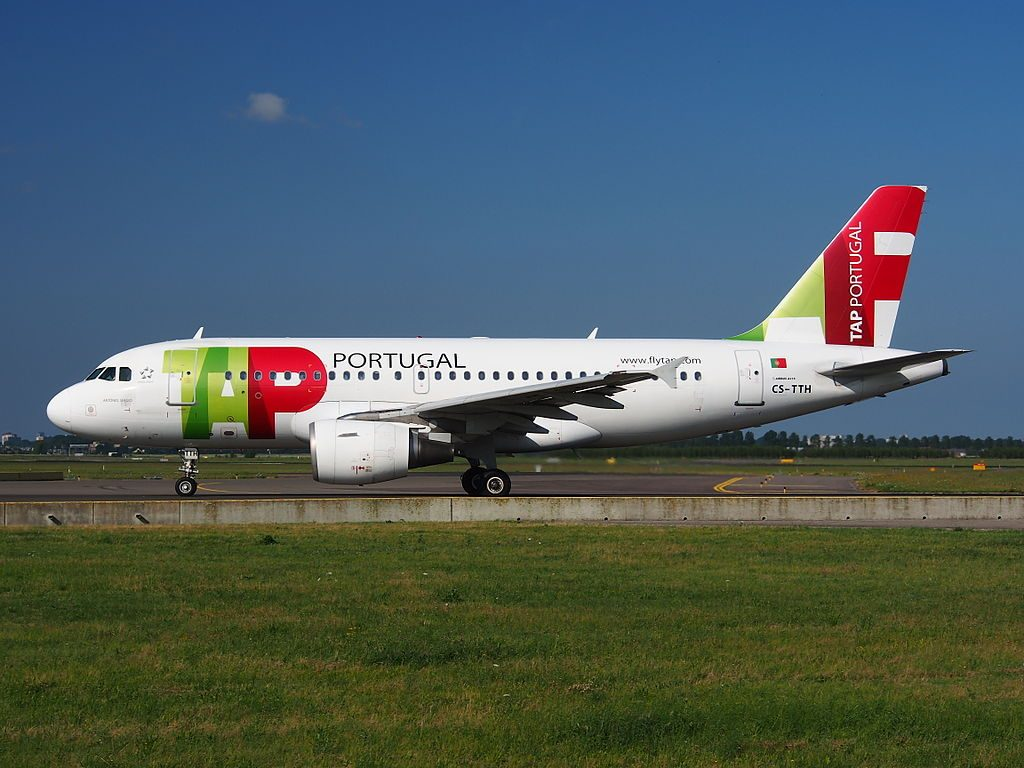 CS TTH TAP Air Portugal Airbus A319 111 Antonio Sergio taxiing at Amsterdam Airport Schiphol