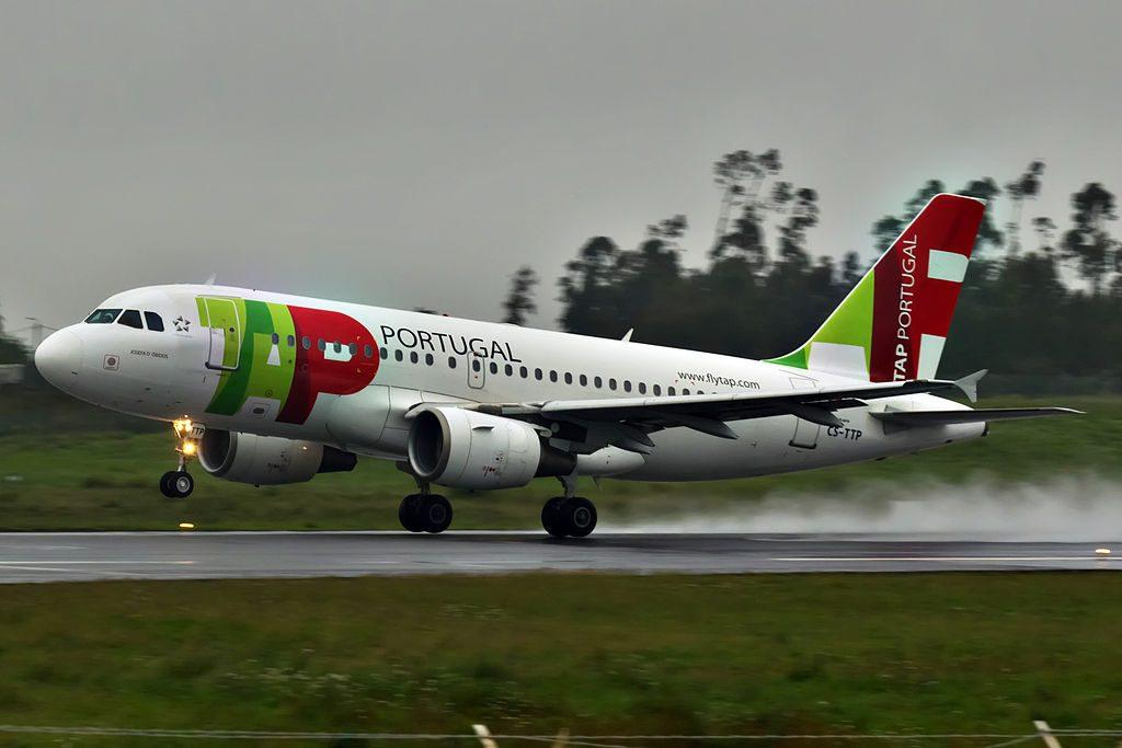 CS TTP Airbus A319 111 Josefa d'Obidos of TAP Portugal landing at Porto International Airport