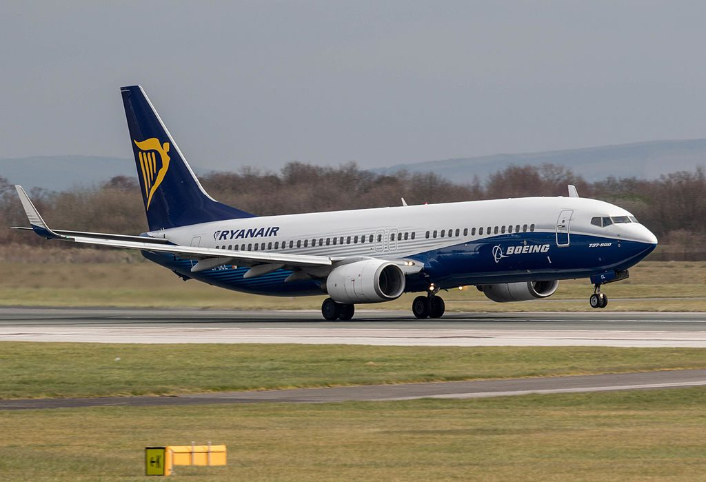 EI DCL Ryanair Boeing 737 8ASWL Boeing Dreamliner House Colours at Manchester Airport