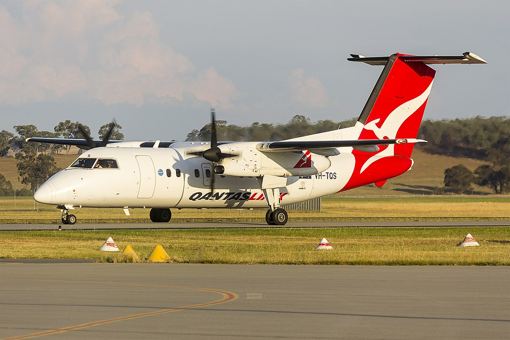 Eastern Australia Airlines QantasLink VH TQS de Havilland Canada DHC 8 202 taxiing at Wagga Wagga Airport