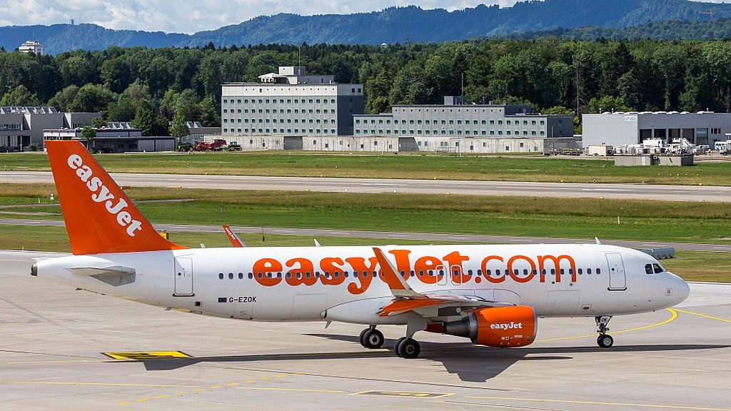 EasyJet Airbus A320 214WL G EZOK at Zurich International Airport