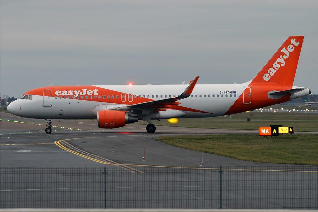 EasyJet G EZOM Airbus A320 214WL at Tallinn Airport