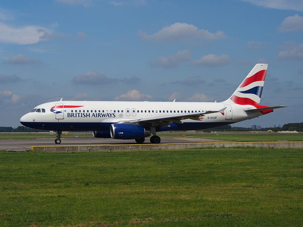 G EUUF British Airways Airbus A320 232 taxiing at Schiphol