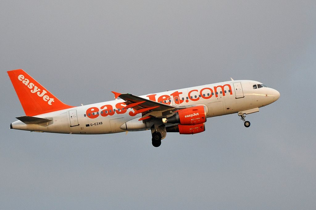 G EZAB Airbus A319 100 of EasyJet at Paris Charles de Gaulle Airport