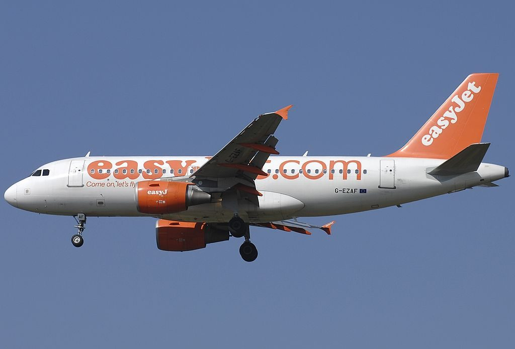 G EZAF Airbus A319 111 easyJet at Rome Fiumicino Airport