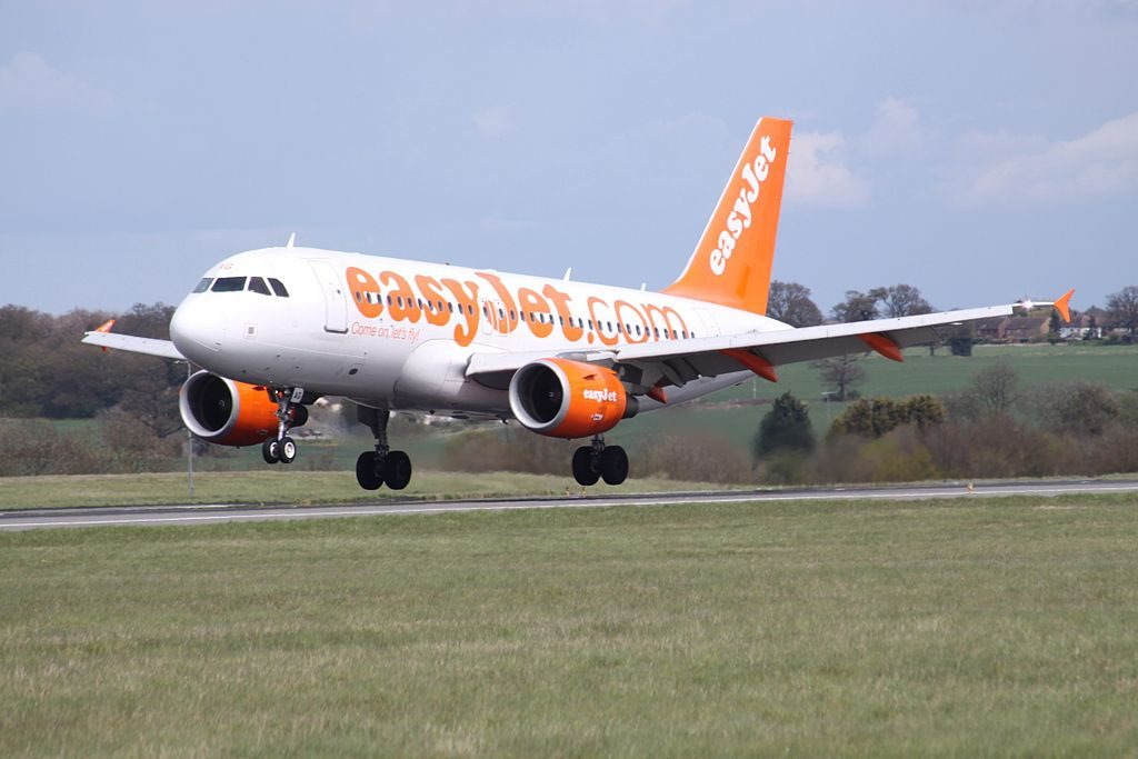G EZAG Airbus A319 100 of EasyJet at London Luton Airport