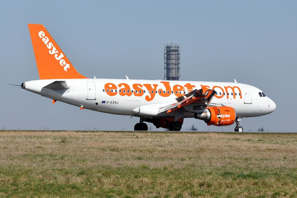 G EZAJ Airbus A319 100 of EasyJet at Paris Charles de Gaulle Airport