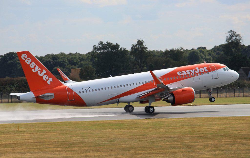G UZHL Airbus A320 251N Easyjet landing London Luton Airport