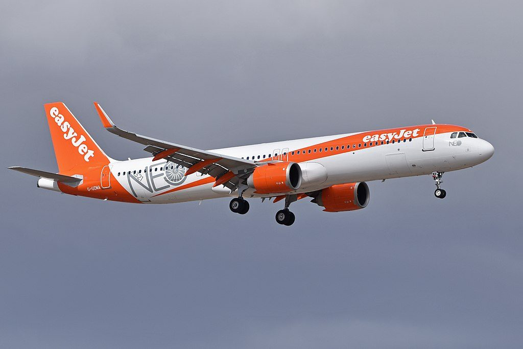 G UZMA Airbus A321neo of EasyJet at Tenerife South Airport