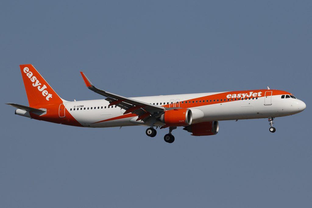 G UZMB easyJet Airbus A321 251NX at Palma de Mallorca
