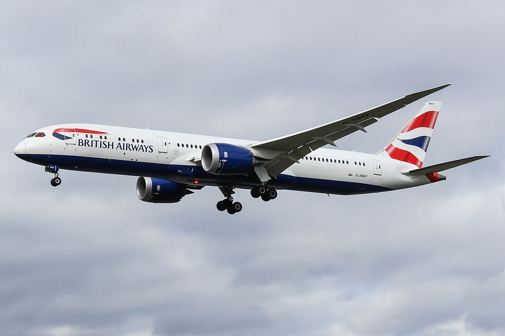 G ZBKF Boeing 787 9 Dreamliner British Airways on final at London Heathrow Airport